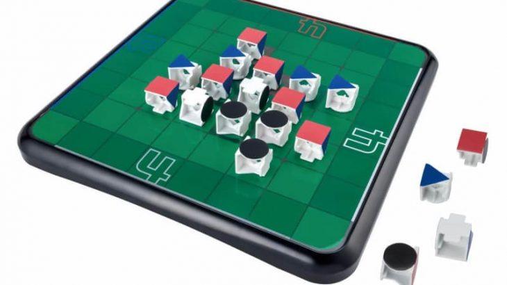 色と形の異なる立方体のオセロ石を使用 「4人対戦オセロ」
